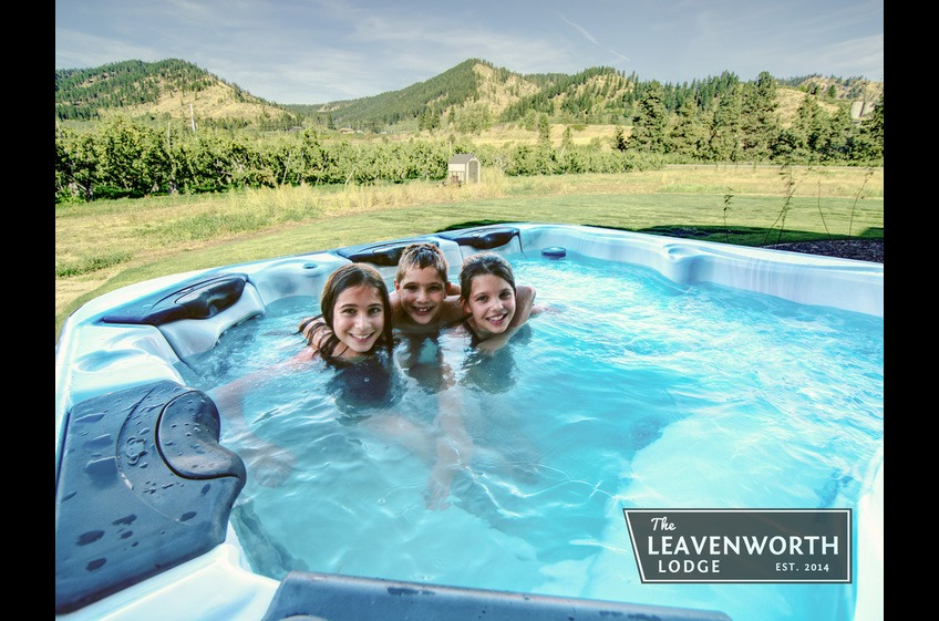 The Leavenworth Lodge Hot Tub